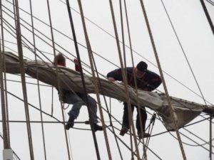 oben im Mast